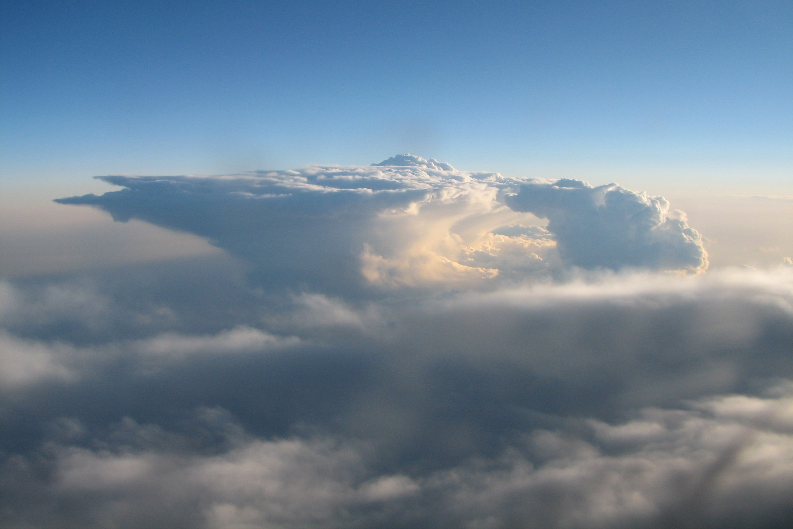 Thunderstorm over Oklahoma, seen from a plane.